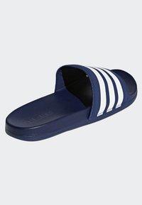 adidas Performance - ADILETTE CLOUDFOAM PLUS STRIPES SLIDES - Badslippers - blue - 3