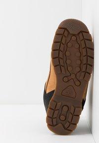 Timberland - EURO SPRINT - Šněrovací kotníkové boty - wheat - 5