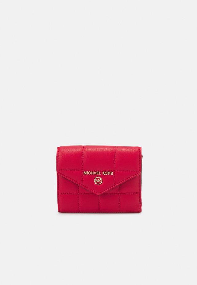 JET SET TRIFOLD - Peněženka - bright red