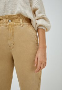 PULL&BEAR - PAPERBAG - Relaxed fit jeans - beige - 4