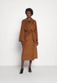 Trussardi - COAT PANNO APRIBILE - Classic coat - thrush - 0