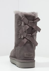 UGG - BAILEY BOW - Classic ankle boots - grey - 4