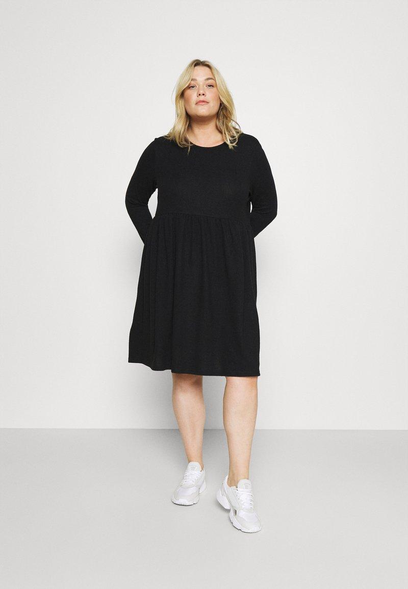 Noisy May Curve - NMCITY JUNE DRESS - Jumper dress - black