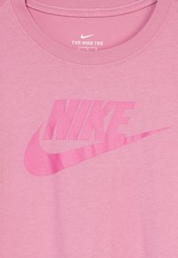 Nike Sportswear - BASIC FUTURA - Camiseta estampada - magic flamingo/fire pink - 3