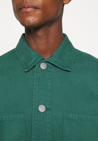 Selected Homme - SLHLOOSETONY OVERSHIRT - Summer jacket - forest biome - 5