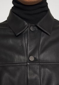 Theory - PATTERSON LEATHER OVERSHIRT - Leather jacket - black - 5