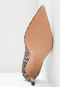 Pura Lopez - High heels - brown - 6