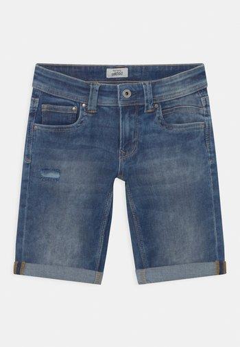 TRACKER - Denim shorts - blue denim