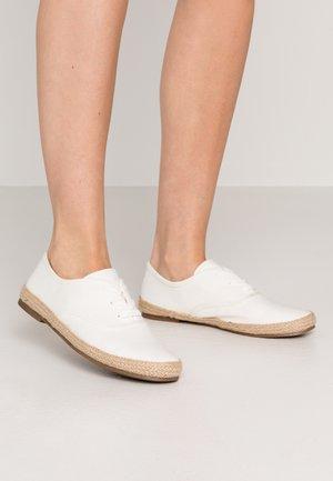 Alpargatas - white