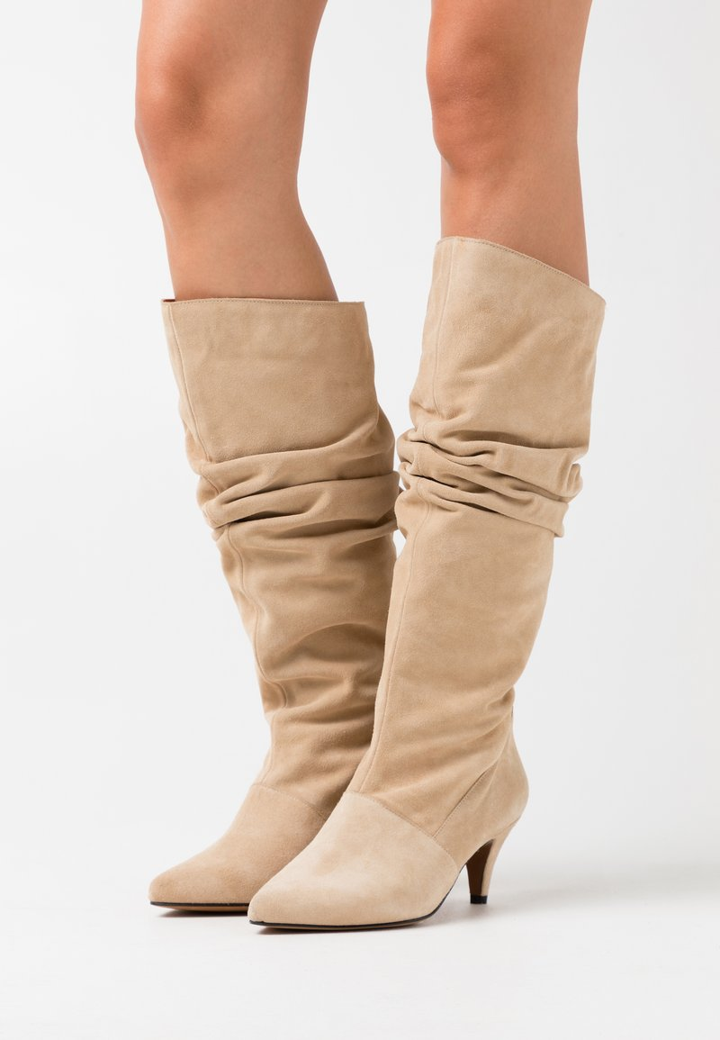 LAB - Boots - camel