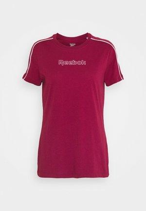 PIPING PACK SLIM TEE - Print T-shirt - punch berry