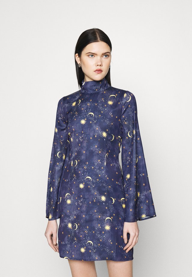 HIGH NECK MINI MOON AND STARS DRESS - Pouzdrové šaty - navy multi