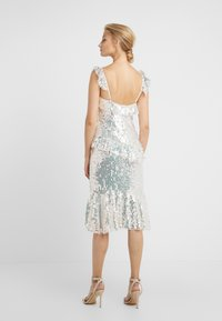 Needle & Thread - SCARLETT SEQUIN DRESS - Cocktail dress / Party dress - champagne/silver - 2