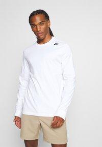 Nike Sportswear - TEE - Långärmad tröja - white - 2