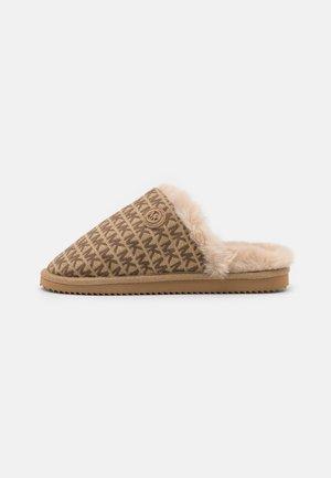 JANIS - Domácí obuv - beige/multicolor