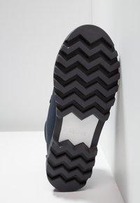 Native - FITZSIMMONS TREKLITE - Botines con cordones - regatta blue/shell white/onyx black - 4