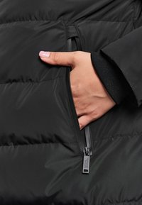 National Geographic - RE-DEVELOP  - Winter coat - black - 4