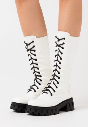 VEGAN TRINITY - Platform boots - white