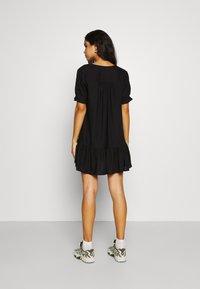 Monki - WILLA DRESS - Denní šaty - black dark - 2