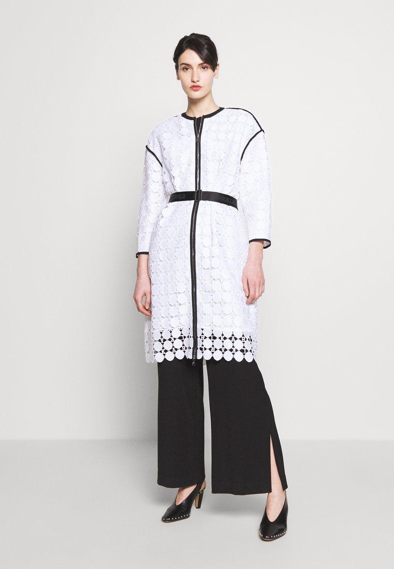 KARL LAGERFELD - CIRCLE COAT - Zimní kabát - white