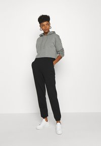 Even&Odd - BASIC - Loose Fit Joggers - Pantalones deportivos - black - 1