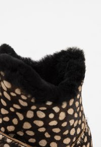 Woden - ODINA ZIPPER BOOT - Classic ankle boots - black off - 5