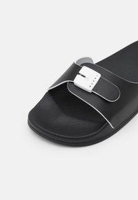 Marni - SLIDE - Mules - black/white - 5