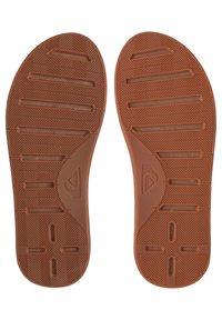 Quiksilver - HALEIWA - T-bar sandals - brown/brown/brown - 1