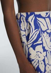 OYSHO - TROPICAL  - A-line skirt - blue - 3