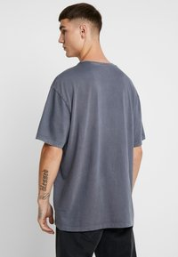 Topman - BERLIN GRAPHIC - Print T-shirt - grey - 2