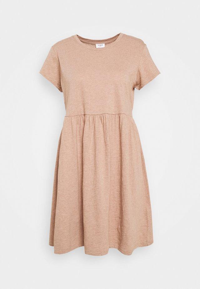 TINA BABYDOLL DRESS - Sukienka z dżerseju - natural marle