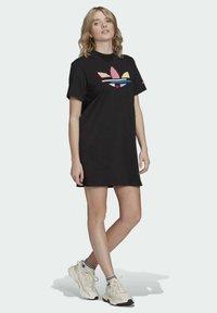 adidas Originals - ORIGINALS ADICOLOR DRESS - Jerseykjoler - black - 0