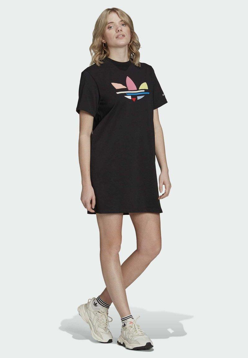 adidas Originals - ORIGINALS ADICOLOR DRESS - Jerseykjoler - black