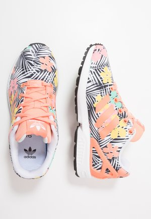 ZX FLUX - Trainers - chalk coral/footwear white
