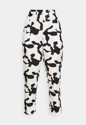 KYOTO PANT - Kalhoty - pecan multi