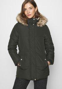 Vero Moda - VMFINLEY JACKET - Zimní kabát - peat - 4
