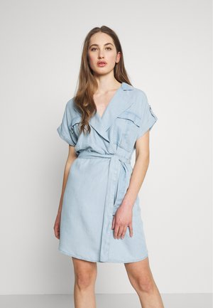 NMVERA ENDI DRESS - Blousejurk - light blue denim