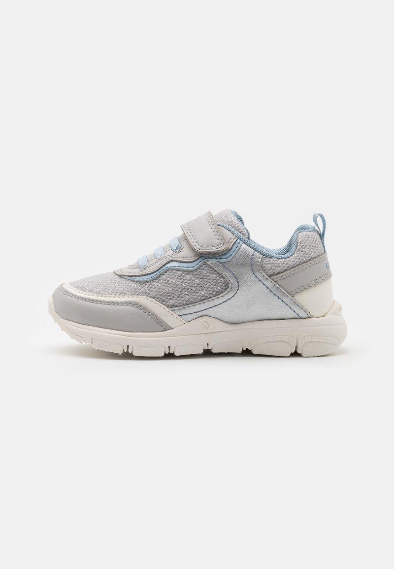 Geox - NEW TORQUE GIRL - Sneakers laag - light grey/sky