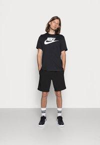 Nike Sportswear - TEE ICON FUTURA - T-shirt print - black/white - 1