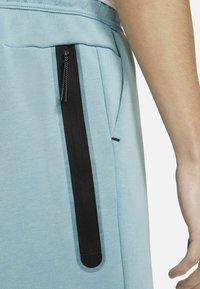 Nike Sportswear - Shorts - cerulean/black - 5