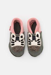 POLOLO - ZEBRA MÄDCHEN - First shoes - grau - 3