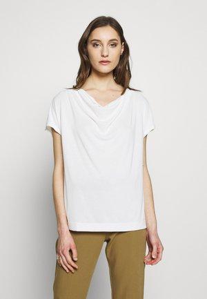 SANDWASH COWL TOP - Print T-shirt - snow day
