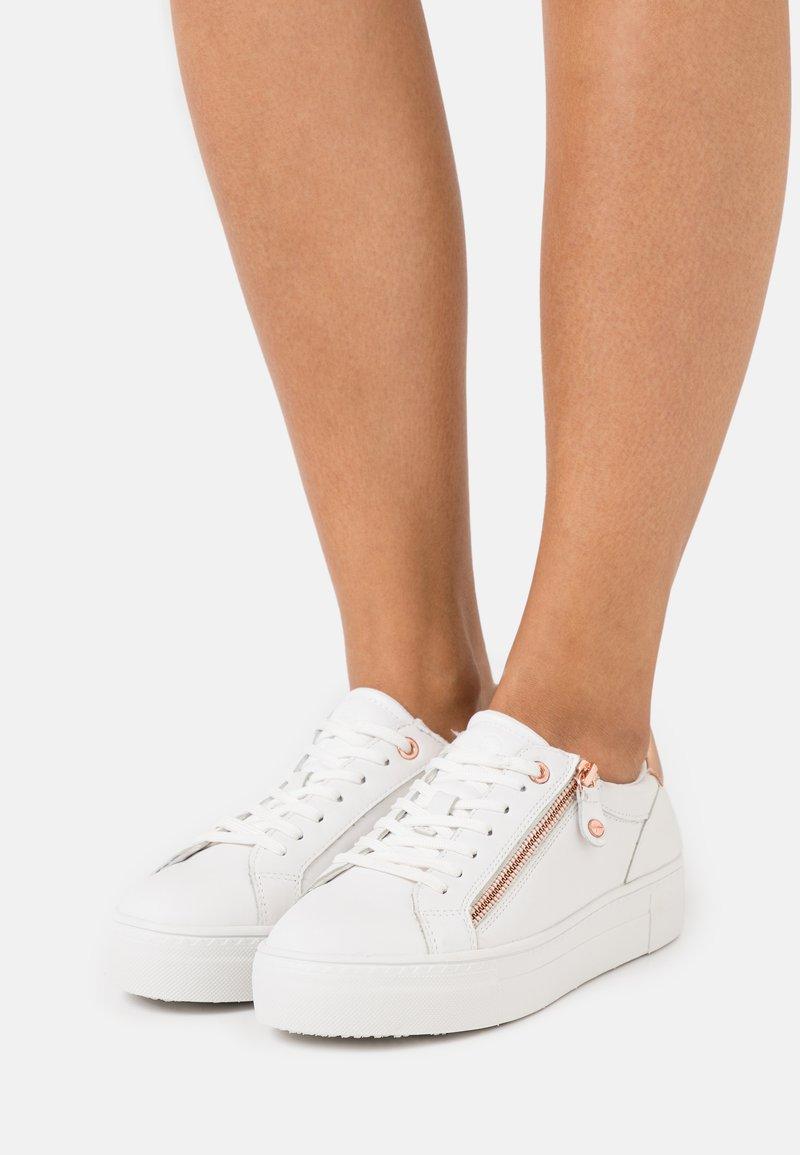 Tamaris - Trainers - white/rose gold