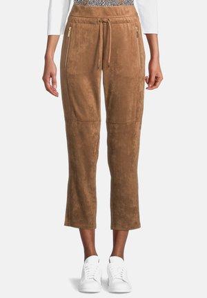 TUNNELZUG - Trousers - pinecone