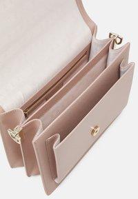 Ted Baker - AAIDAH - Handbag - dusky pink - 2