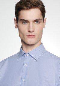 Seidensticker - SLIM FIT - Shirt - blue - 3