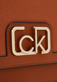 Calvin Klein - Across body bag - brown - 3