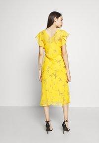 Lauren Ralph Lauren Petite - ENDINE CAP SLEEVE DAY DRESS - Day dress - true marigold/grey/multi - 3
