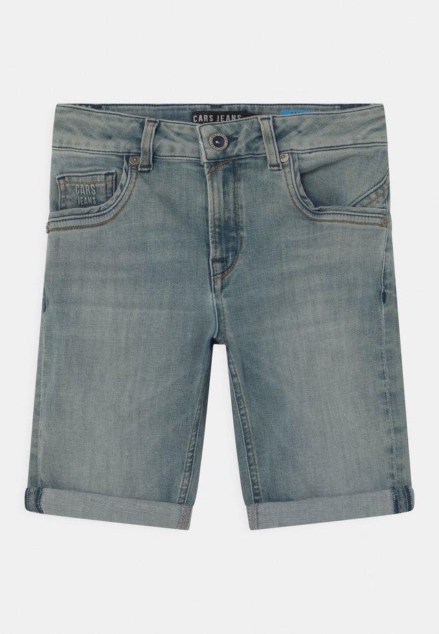 TRANES - Short en jean - green cast