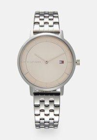 Tommy Hilfiger - DRESSED UP - Klokke - silver-coloured - 0
